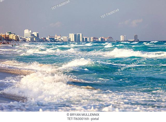 Mexico, Quintana Roo, Yucatan, Cancun, Skyline and sea