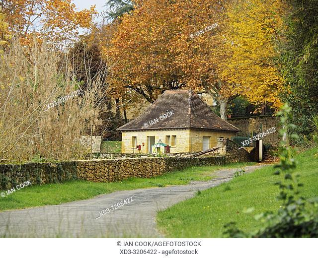 medieval building, public garden, Sarlat-la-Caneda, Dordogne Department, Nouvelle-Aquitaine, France