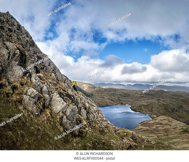 England, Cumbria, Lake District, Langdale, Harrison Stickle, climber