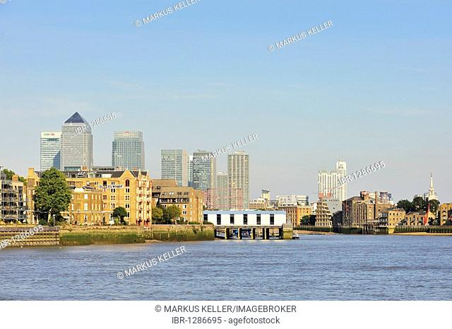 View over the Thames to the Canary Wharf complex, the architectural heart of the Docklands, London, England, United Kingdom, Europe