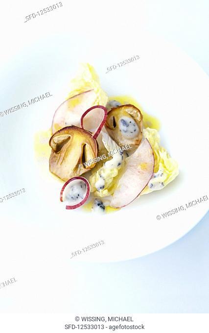 Caesar mushrooms with peaches and lettuce
