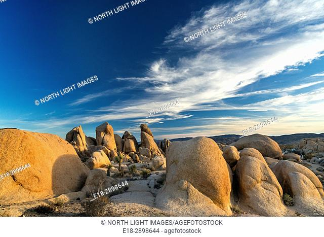 USA, CA, , Twentynine Palms, Joshua Tree National Park. Sandstone rock formation in the northern part of the park