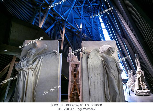 Canada, Ontario, Ottowa, capital of Canada, Canadian War Museum, Regeneration Hall, plaster statues of the Canadian Vimy Memorial in France by artist Walter...