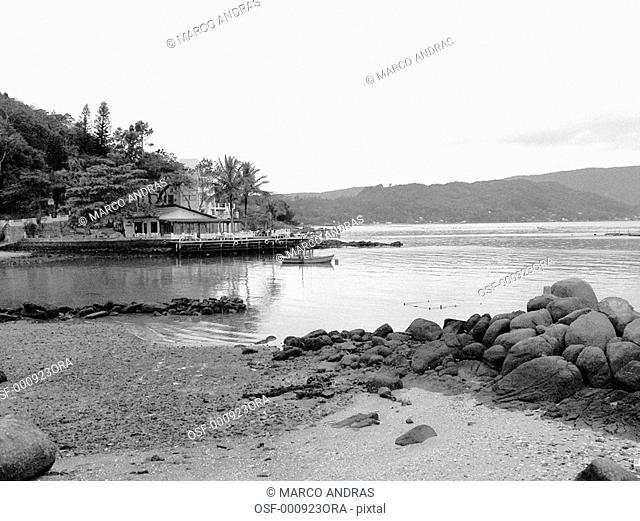 florianopolis beach and rocks view