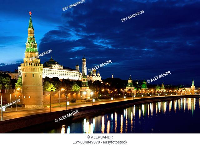 Tower Moscow Kremlin and river