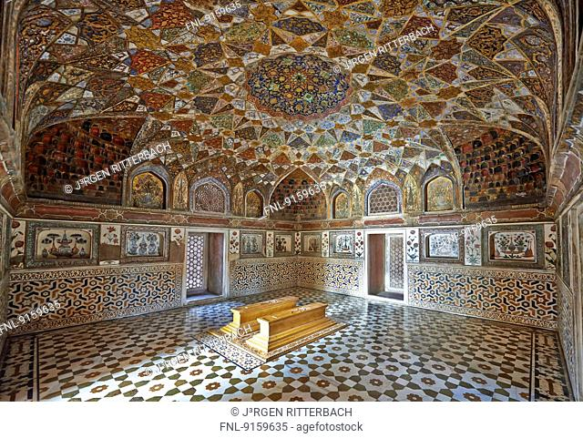 Interior of the Mausoleum of Etimad-ud-Daulah, Agra, Uttar Pradesh, India
