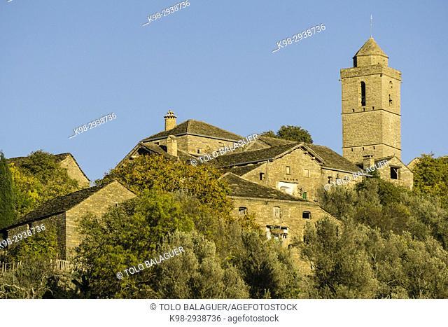 Iglesia parroquial de San Salvador, siglo XII, Guaso, Provincia de Huesca, Comunidad Autónoma de Aragón, cordillera de los Pirineos, Spain, europe