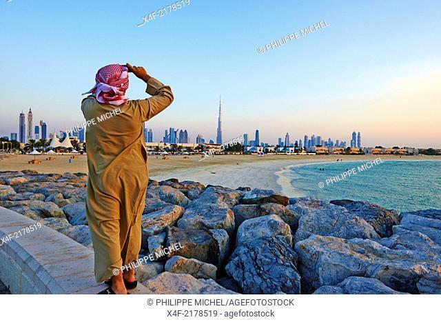 United Arab Emirates, Dubai, Jumeirah neighbourhood, Jumeirah beach and cityscape