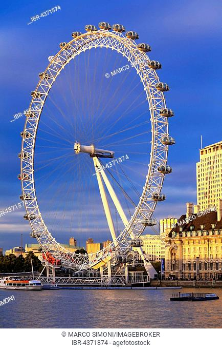 Millennium Wheel, London Eye, River Thames in the foreground, London, England, United Kingdom