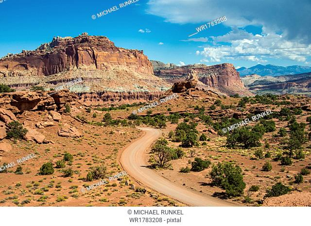 Road leading through the Capitol Reef National Park, Utah, United States of America, North America