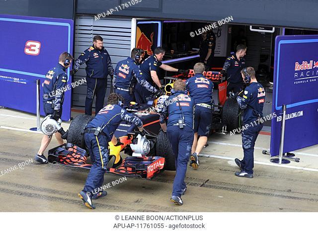 2016 Formula 1 Grand Prix Test Day 2 Silverstone Jul 13th. 13.07.2016. Silverstone Circuit, Northants, United Kingdowm. Post Bbritish F1 Grand prix car testing...