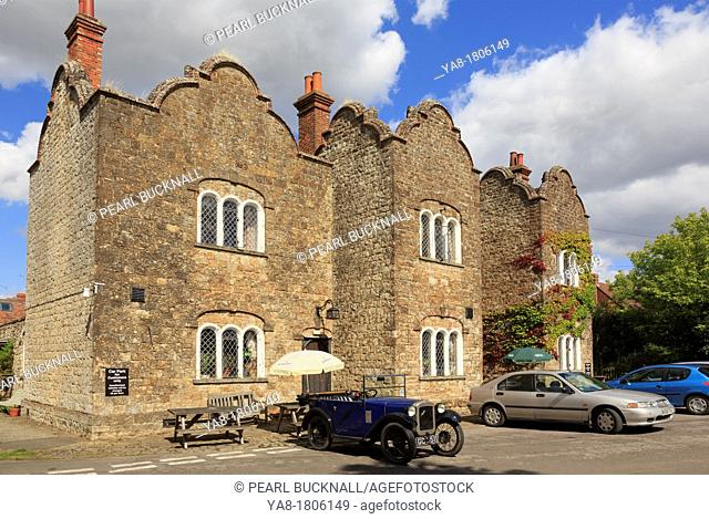 Pluckley, Ashford, Kent, England, UK, Britain, Europe  19th century Dering Arms free house country pub gourmet restaurant and hotel is a former hunting lodge...
