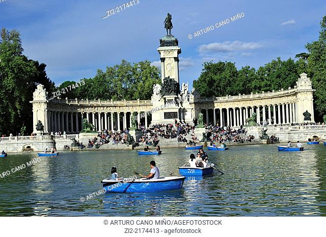 The Monument to King Alfonso XII and the pond. The Buen Retiro Park, Madrid, Spain