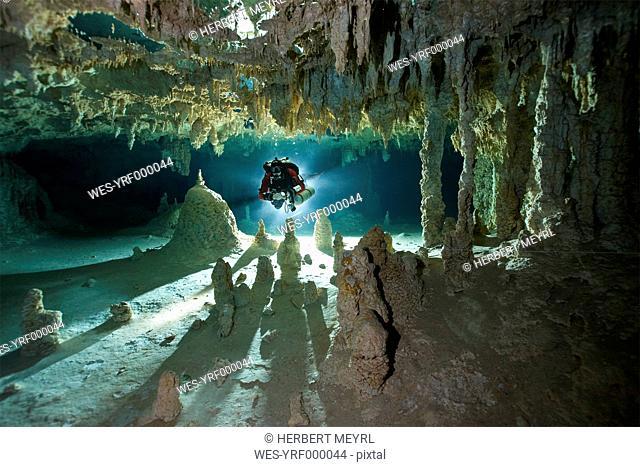 Mexico, Yucatan, Tulum, Cavern diver in a cenote