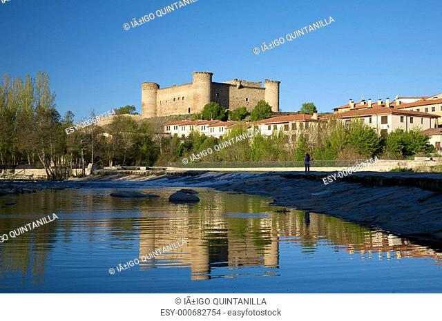 Barco castle from Tormes river