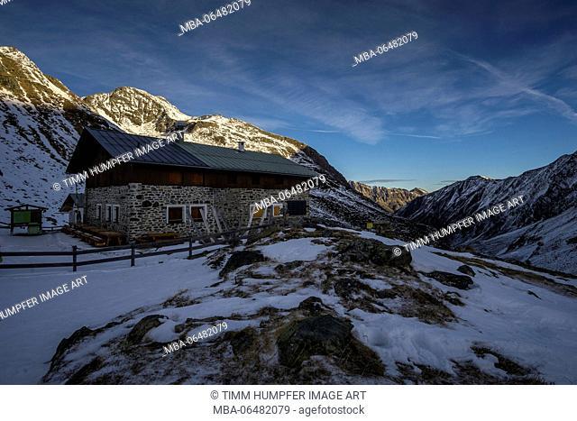 Austria, Tyrol, the Stubai Alps, St. Sigmund, Pforzheimer hut about the Gleirschtal in the early morning