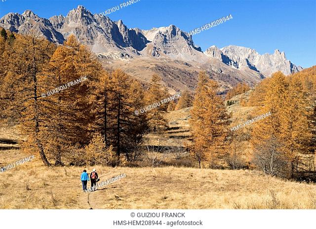 France, Hautes Alpes, the Brianconnais area in autumn, La Claree Valley, hike