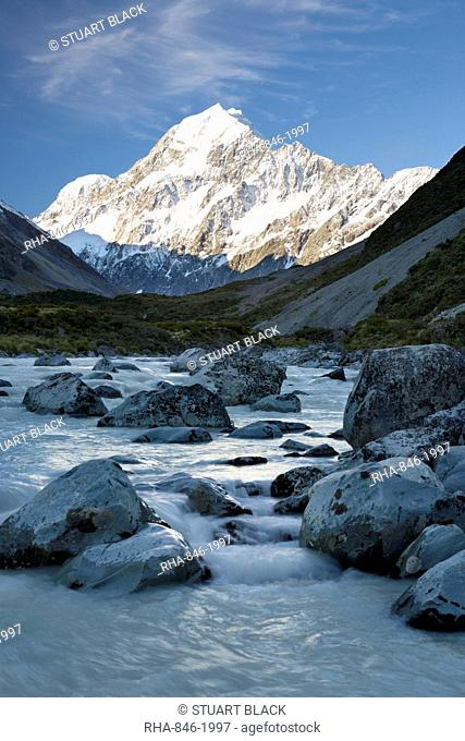 Hooker Valley and river with Mount Cook, Mount Cook National Park, UNESCO World Heritage Site, Canterbury region, South Island, New Zealand, Pacific