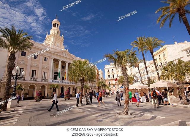 People in front of the of the Town Hall-Ayuntamiento at Plaza San Juan de Dios, Cadiz City, Andalusia, Spain, Europe