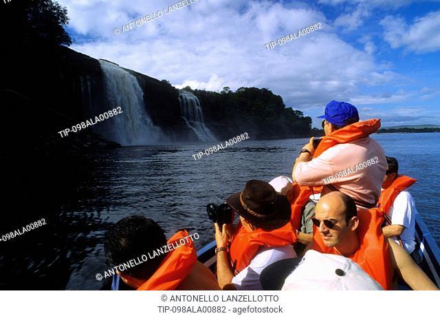 Venezuela, Bolivar state, Gran Sabana, Parque Nacional Canaima, Laguna Canaima, salto Hacha
