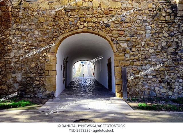 fortified walls surrounding old town of Lagos, here San Goncalo gate - Porta de Sao Goncalo connectiong old town with seaside, beaches and river, Lagos