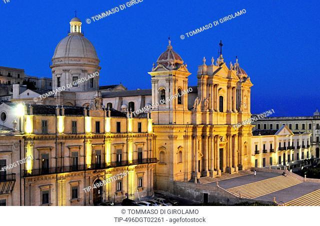 Italy, Sicily, Noto, San Nicolò cathedral at dusk