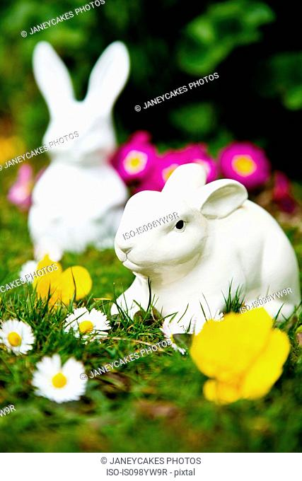 Easter bunnies and spring flowers