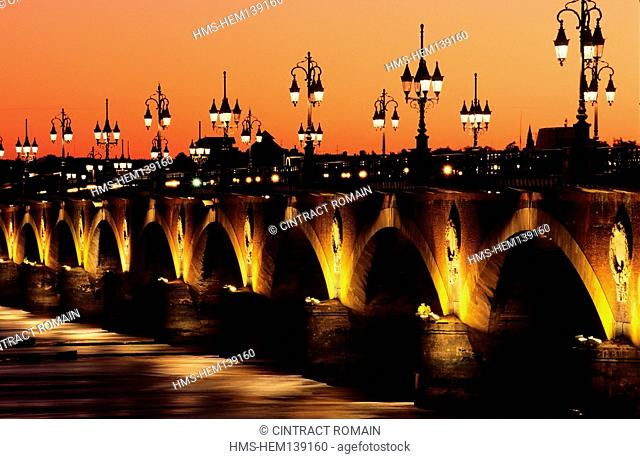 France, Gironde, Bordeaux, area listed as World Heritage by UNESCO, Pont de Pierre by night