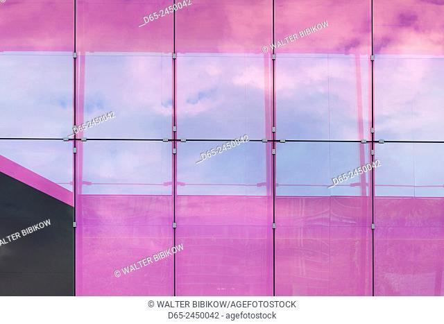 Germany, Bavaria, Munich, shopping district, pink window reflection