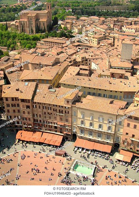 Italy, Siena, Tuscany, Toscana, Europe, Aerial view of the Piazza del Campo and the city of Siena from Torre del Mangia