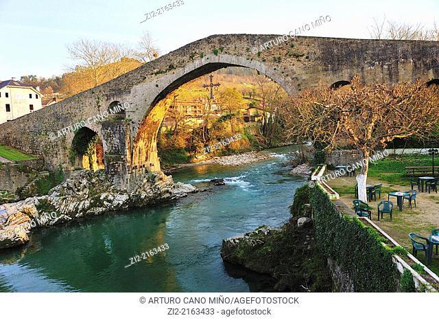 Bridge over river Sella, XIVth century, Cangas de Onis, Asturias, Spain