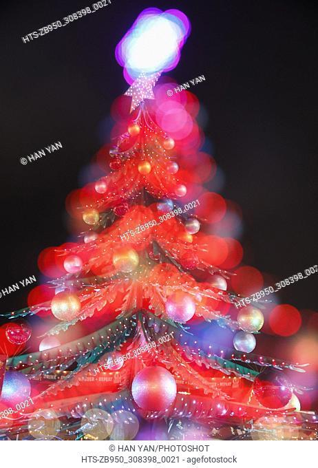 (171203) -- LONDON, Dec. 3, 2017 () -- A Christmas tree is seen at Hyde Park Winter Wonderland in London, Britian, on Dec. 2, 2017