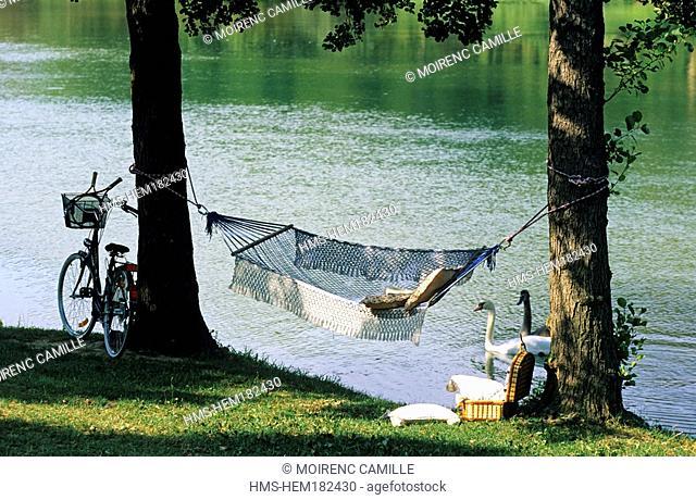 France, Drome, La Roche de Glun, Idleness atmosphere at the edge of Bassin des Musards