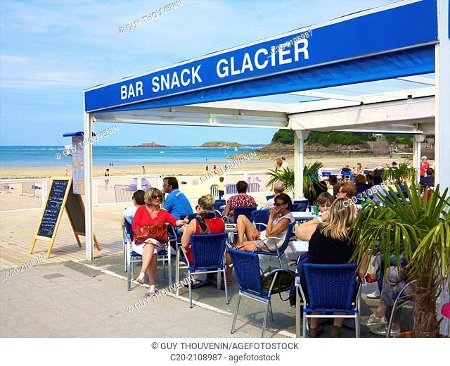 Snack bar ice-cream place along the Ecluse beach with tourists,Dinard, Brittany, Ille et Villaine 35, France