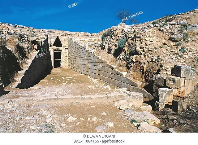 Greece - Peloponnesus - Mycenae. Tomb of Clytemnestra. Entrance