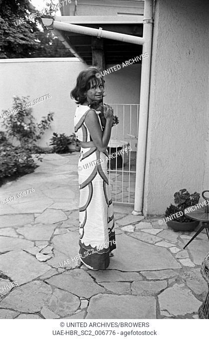 Die deutsche Schauspielerin und Theaterregisseurin Lis Verhoeven, Deutschland 1960er Jahre. German actress and stage director Lis Verhoeven, Germany 1960s