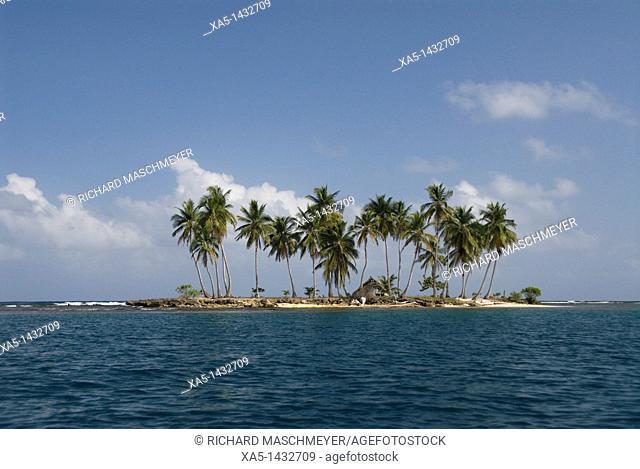 Unnamed island near Yandup Island, San Blas Islands also called Kuna Yala Islands, Panama