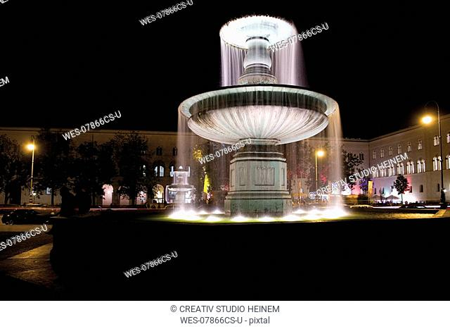 Germany, Bavaria, Munich, fountain in front of University