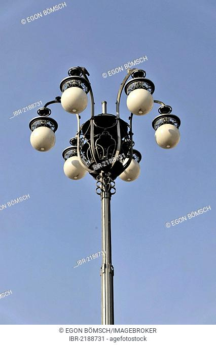 Street light on Piazza del Duomo square, Milan Cathedral, Milan, Lombardy, Italy, Europe, PublicGround