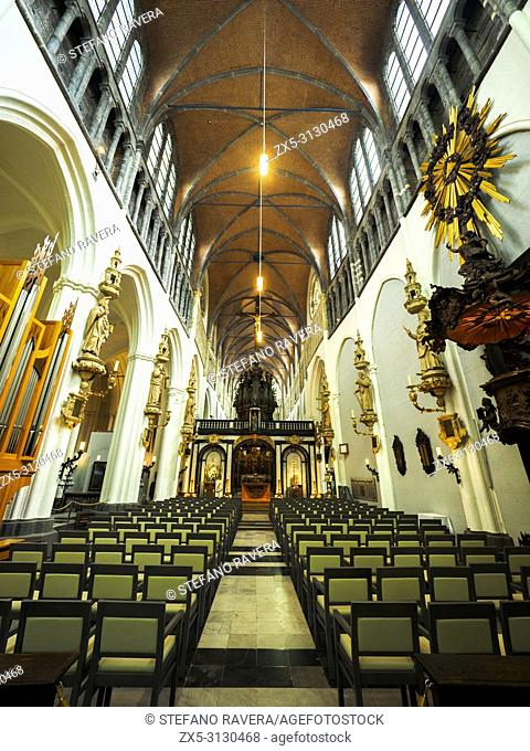Nave of the Church of Our Lady (Onze-Lieve-Vrouwekerk) - Bruges, Belgium,