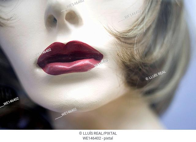 Close up of the mouth of a female mannequin