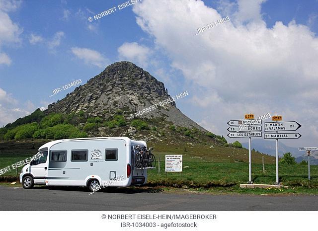Campervan in front of Mont Mezenc, Gerbier de Jonc, Ardèche, Rhône-Alpes, France, Europe