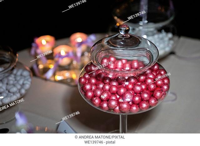 Round shaped confetti