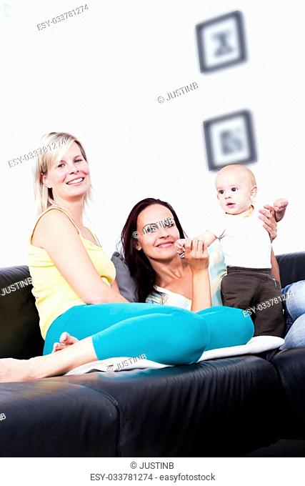 The living room is the mother of the child and girlfriend