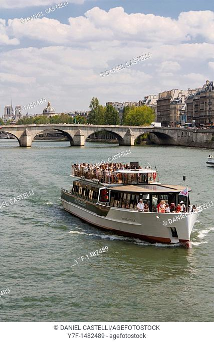 Boat, Seine, Paris, France