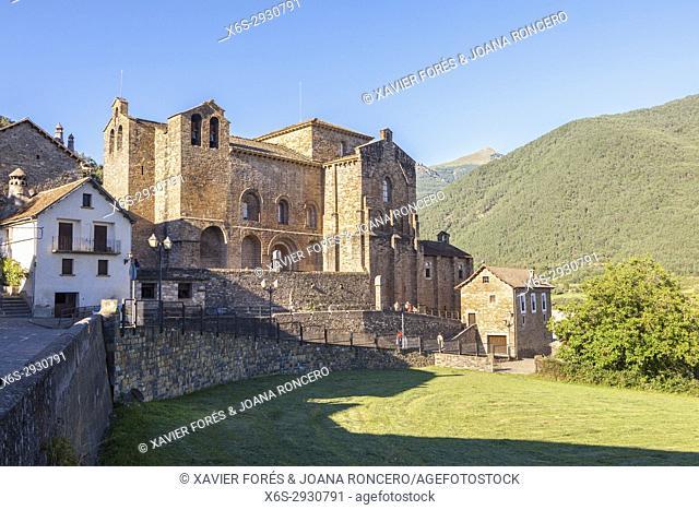 Siresa village in Hecho valley, Pyrenees, Huesca, Spain