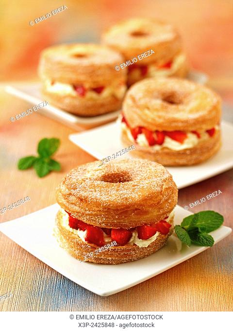 Cronuts with strawberries and mascarpone