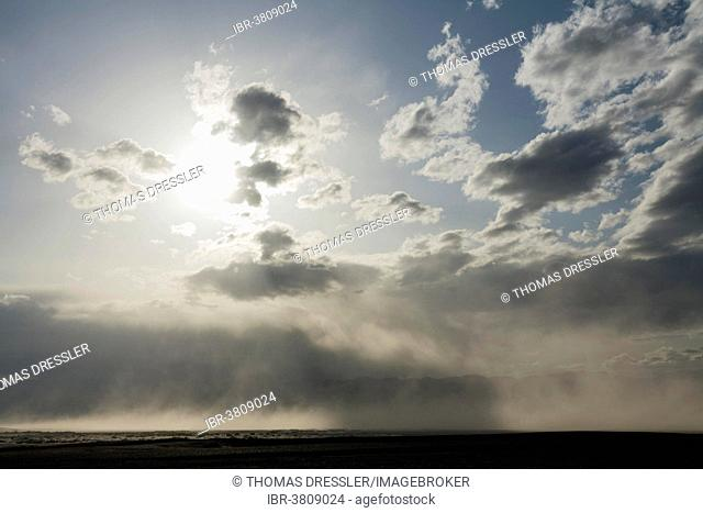 A sand storm over the Mesquite Flat Sand Dunes and the Panamint Range in the evening, Death Valley, Death Valley National Park, California, USA