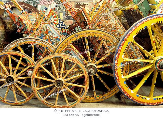 Workshop Franco Bertolino, artist painter of traditional sicilian cart. Palerme (palermo). Sicily. Italy