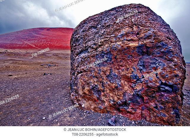 spain,canary islands,lanzarote : caldera colorada